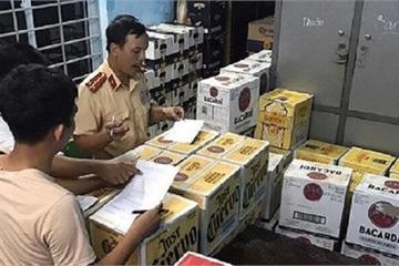 Huế: Phát hiện và bắt giữ xe chở 4.000 chai rượu, bia lậu