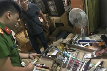 Bắt xe ô tô chở hung khí từ Hà Nội vào miền Nam tiêu thụ