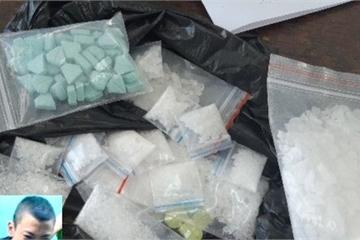 Con nghiện giấu số lượng lớn ma túy trên đầu giường