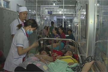 Đắk Lắk: Báo cáo Bộ Y tế vụ hàng trăm người nhập viện nghi do ngộ độc thực phẩm