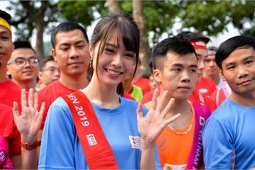 SGO48 tự tin hát tiếng Nhật trên sân khấu cùng đàn chị AKB48
