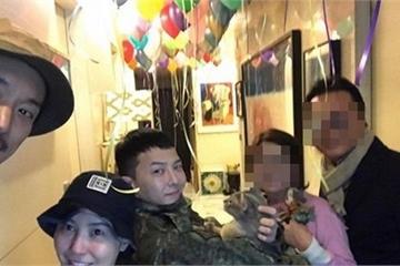 Khoảnh khắc xúc động khi cả gia đình chào đón G-Dragon trở về