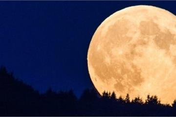 """Bạn có biết: Siêu trăng khổng lồ sắp """"ghé thăm"""" Việt Nam"""