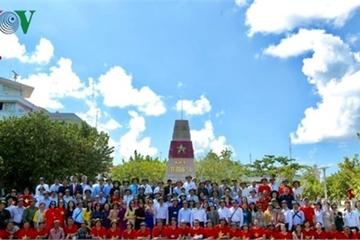 """44 năm giải phóng Trường Sa: Kiều bào thăm đảo và nghĩ về """"trách nhiệm"""""""