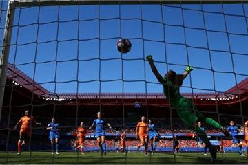 World Cup Women 2019: Hà Lan, Thụy Điển giành 2 vé còn lại vào bán kết