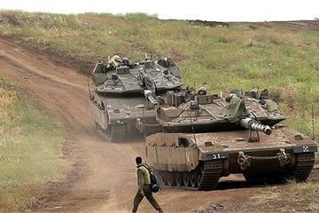 Xe tăng Israel vượt vùng phi quân sự ở cao nguyên Golan, đi vào lãnh thổ Syria?