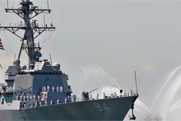 """Soi """"độ khủng"""" chiến hạm Mỹ xuất hiện gần bờ biển Ả Rập Xê-út để dằn mặt Iran"""