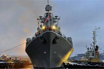 """Soi """"độ khủng"""" chiến hạm Nga đang tập trận quy mô lớn ngoài khơi Syria"""
