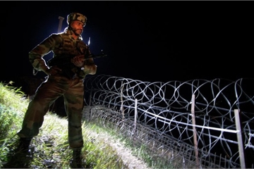 Quân đội Ấn Độ - Pakistan đấu súng dữ dội ở biên giới, 6 binh sĩ thiệt mạng