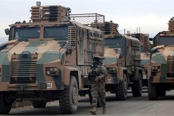 """Thổ dọa tấn công Syria """"bất cứ lúc nào"""", Nga tung tối hậu thư, Mỹ khuyên can"""