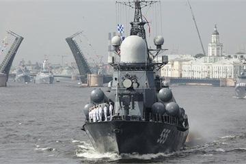 """Hai tàu khu trục Nga tức tốc tới Syria sau ngày """"tang thương nhất"""" của Thổ Nhĩ Kỳ"""