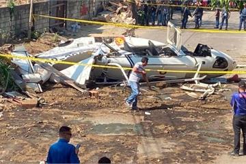 Quan chức cấp cao Philippines sống sót thần kỳ sau vụ tai nạn trực thăng