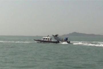 """Tàu cảnh sát biển Đài Loan """"va chạm"""" với 10 xuồng cao tốc Trung Quốc"""