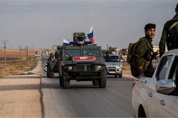Phái hơn 20 xe bọc thép tới căn cứ mới ở Syria, Nga có màn đáp trả Mỹ kịp thời
