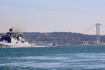 Hai chiến hạm Nga trang bị tên lửa Kalibr rời khỏi Syria, 400 thủy thủ bị cách ly