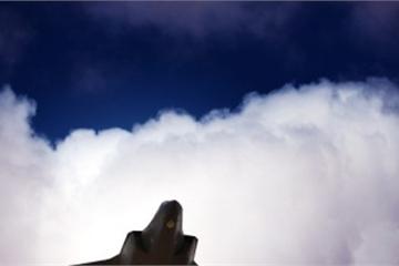 """Tiêm kích F-35 Mỹ bay lượn """"ngay trước mắt"""" quân đội Nga ở Syria"""