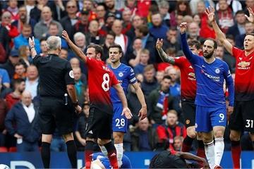 """M.U và Chelsea """"níu chân nhau"""", nín thở chờ lấy vé tham dự Champions League"""