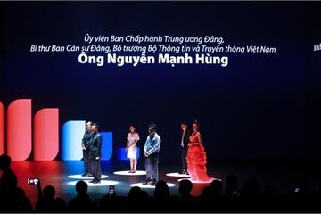 Nhìn lại sân khấu đầy biến ảo trong Lễ ra mắt MXH Lotus