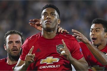 Arsenal và M.U cùng giành chiến thắng tại Europa League
