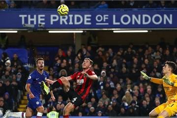 Vòng 17 Ngoại hạng Anh: Chelsea lại gục ngã trên sân nhà