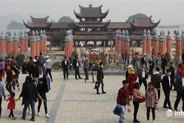 """Bộ trưởng Nguyễn Ngọc Thiện ra tay, hàng loạt lễ hội chính thức """"toang"""""""