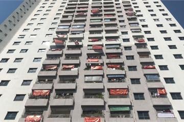 """Hà Nội: Cư dân VP6 Linh Đàm căng băng rôn đòi """"sổ đỏ"""" sau nhiều năm mòn mỏi chờ đợi"""