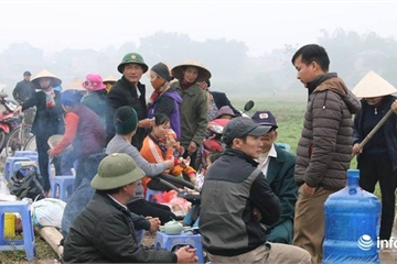 Người dân chặn xe vào bãi rác Nam Sơn đã tự tháo dỡ lều bạt