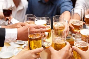 """Sự thật phũ phàng với suy nghĩ """"uống bia ít nguy hại hơn uống rượu"""""""