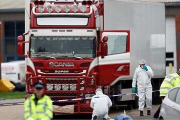 Đang đàm phán đưa thi thể các nạn nhân trong container ở Anh về nước