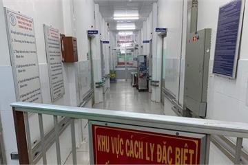 Cách ly 25 người tiếp xúc gần với cô gái ở Hà Nội nhiễm Covid-19