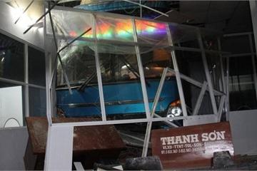 Cà Mau: Khởi tố phụ xe gây tai nạn khiến 6 người thương vong