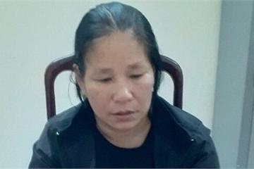 """Phạm tội đánh bạc, """"nữ quái"""" trốn nã sang Thái Lan sa lưới khi về thăm gia đình"""