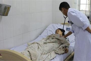 Hà Tĩnh: Sưởi ấm bằng than, 2 mẹ con bị ngộ độc
