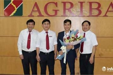 Hà Tĩnh: Thưởng nóng cán bộ Agribank trả lại tiền cho khách hàng bỏ quên
