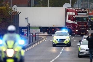 Bộ Ngoại giao: Có người Việt Nam trong vụ 39 nạn nhân chết trong xe tải ở Anh