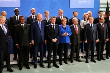 """Khoảnh khắc TT Putin bỗng dưng """"biến mất"""" khiến nhiều lãnh đạo hốt hoảng"""