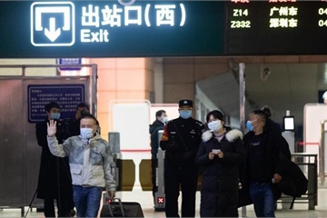 Hình ảnh Vũ Hán ngày đầu dỡ bỏ lệnh phong tỏa