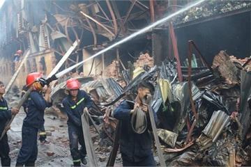 Đang thống kê thiệt hại vụ cháy Nhà máy bóng đèn, phích nước Rạng Đông