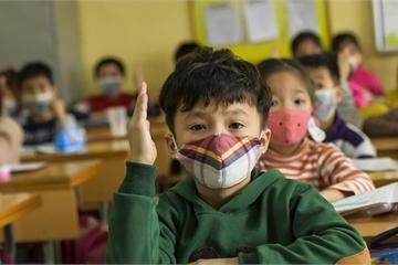 Gần 40 tỉnh cho học sinh trở lại trường bắt đầu từ 17/2