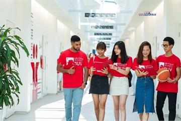 """Nhiều trường Đại học bắt đầu """"tung"""" học bổng lớn hút sinh viên xuất sắc"""