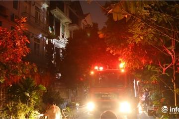 """Hà Nội: Cháy căn nhà liền kề """"vô chủ"""" chứa giày dép tại Khu chung cư An Lạc"""