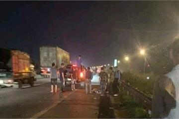 Cao tốc Hà Nội - Bắc Giang: Xe ô tô đâm 3 người thương vong rồi bỏ trốn