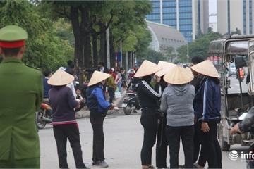 """Việt Nam - UAE: Vé chợ đen nóng bỏng, bị """"làm giá"""" trước giờ bóng lăn"""