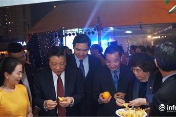 Cam Vinh và các đặc sản Nghệ An ra mắt khách hàng tại BigC Thăng Long, Hà Nội