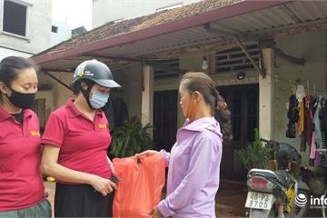 Hà Nội: Phát gạo miễn phí, ai cần sẽ đưa tới tận nhà