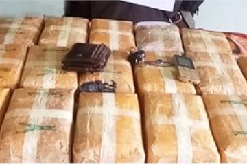 Quảng Bình: Bắt đối tượng nước ngoài vận chuyển 100.000 viên ma túy vào Việt Nam