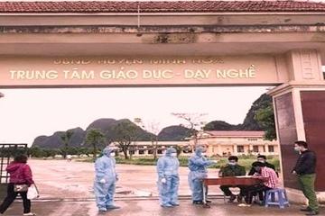 Quảng Bình: 9 người tổ chức đánh bài trong khu cách ly bị phạt hơn 13 triệu đồng