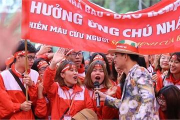 Hàng nghìn sinh viên Thủ đô tham gia ngày hội Chủ nhật Đỏ