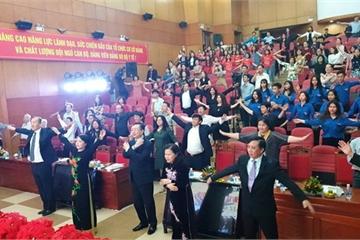 Bộ trưởng Bộ Y tế cùng hàng trăm người tập thể dục giữa giờ họp