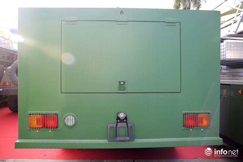 Xem xe phun nước chống bạo loạn sản xuất ở Việt Nam - ảnh 11